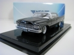 Imperial Crown4-door Southampton 1957 Black 1:64 Neo Models